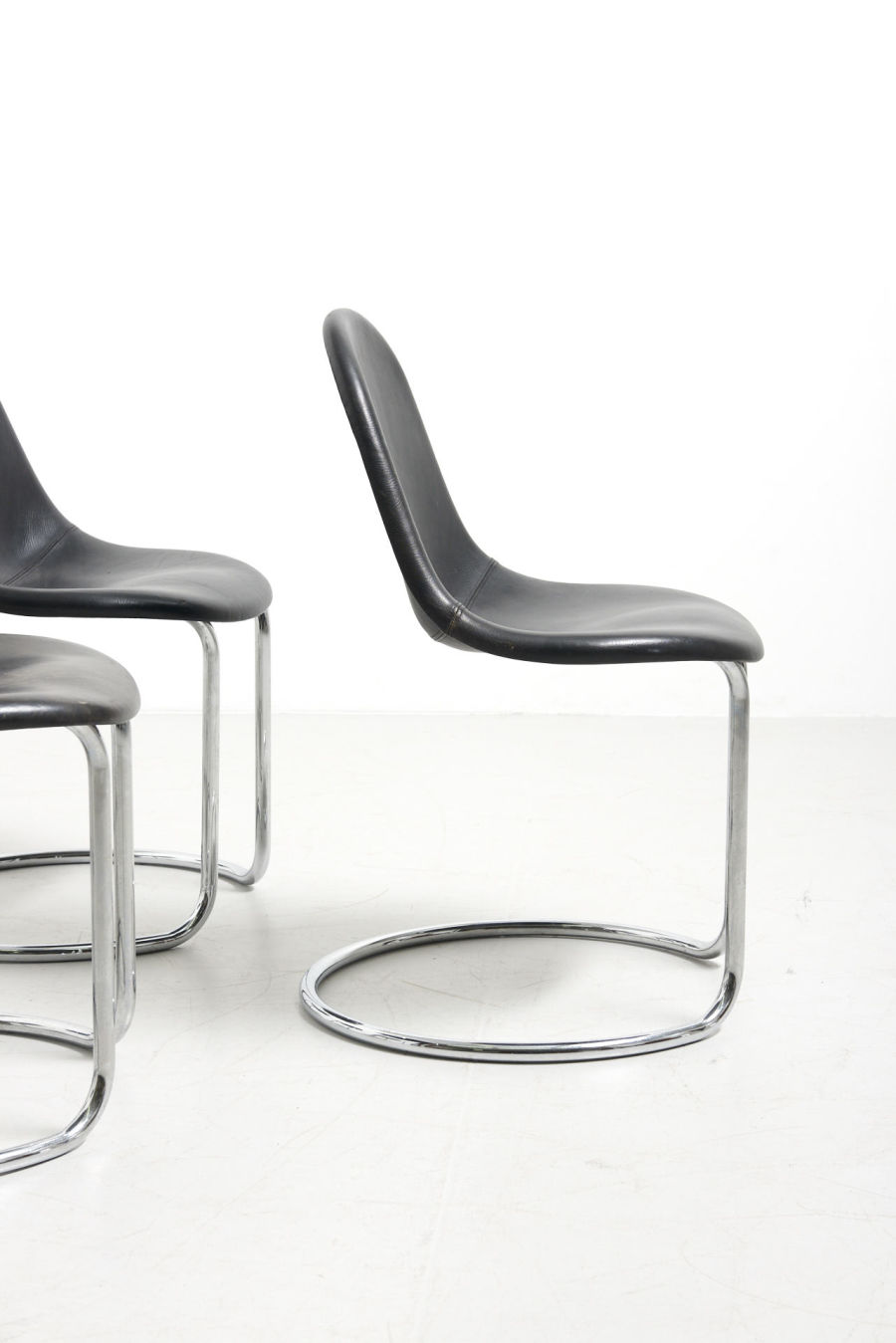modestfurniture-vintage-2702-6-italian-dining-chairs-chrome-giotto-stoppino04