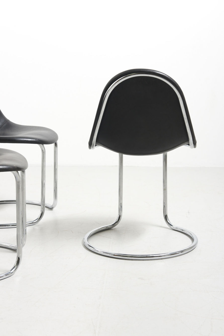 modestfurniture-vintage-2702-6-italian-dining-chairs-chrome-giotto-stoppino05
