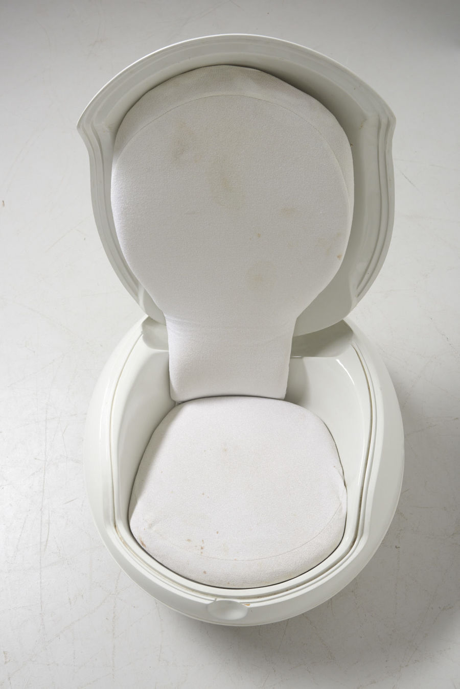 modestfurniture-vintage-2722-peter-ghyczy-garden-egg-chair-white08