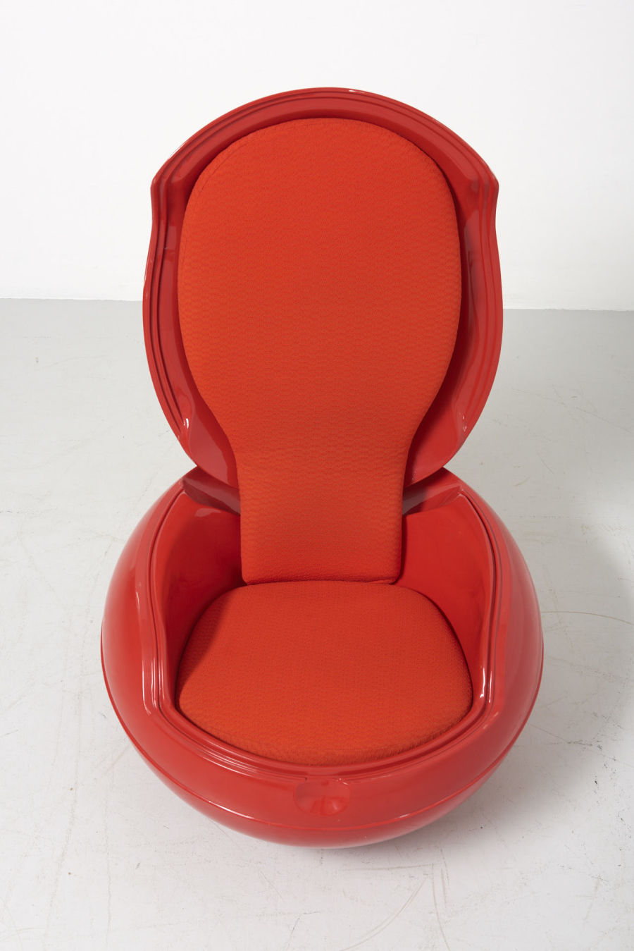 modestfurniture-vintage-2723-peter-ghyczy-garden-egg-chair-red03