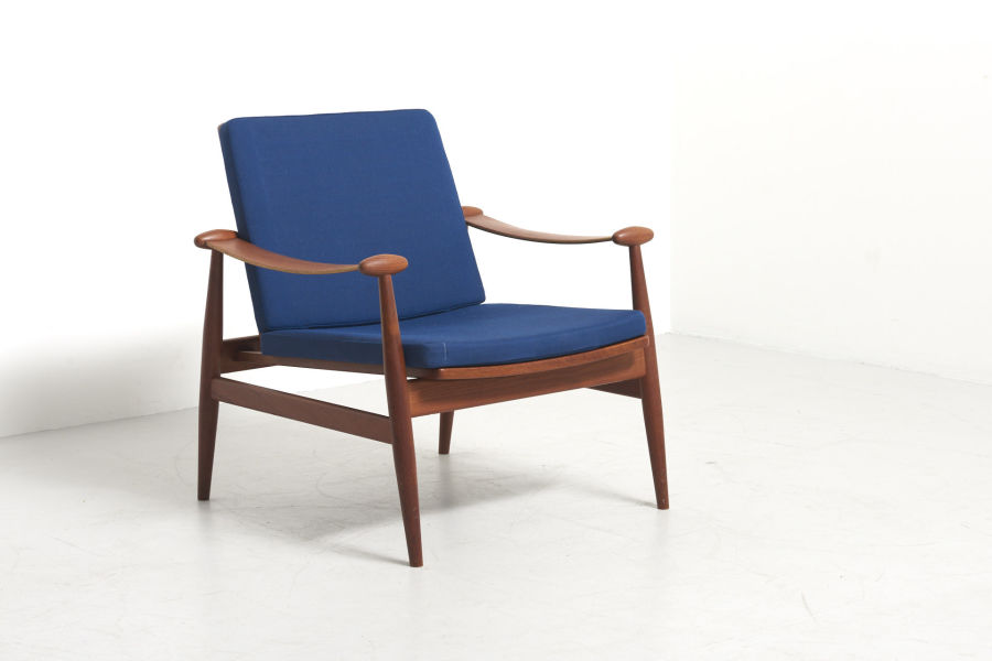 modestfurniture-vintage-2739-finn-juhl-spade-chair-france-and-son01