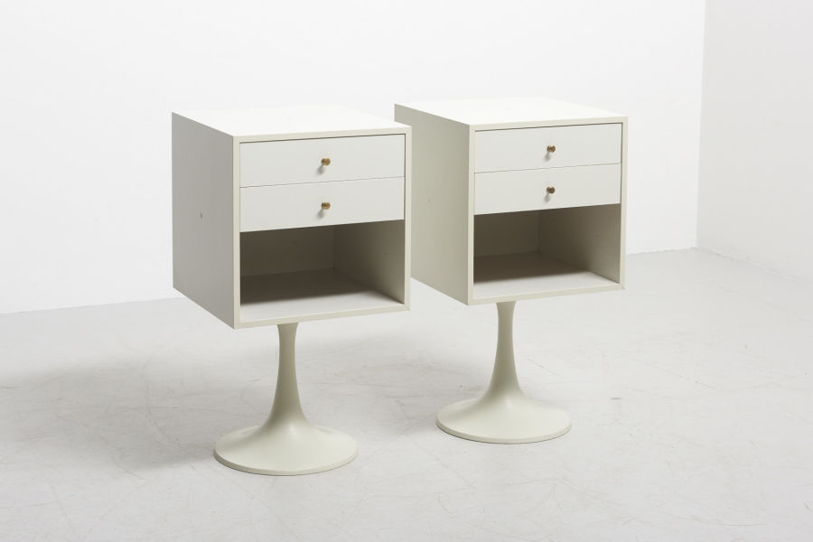 modestfurniture-vintage-2766-pair-bedside-tables-tulip-foot01