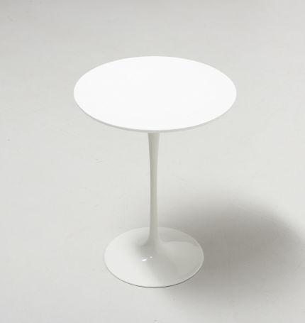 modestfurniture-vintage-1972-tulip-side-table-saarinen-knoll01