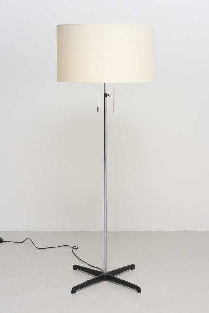 modestfurniture-vintage-1840-staff-floor-lamp-cross-foot01