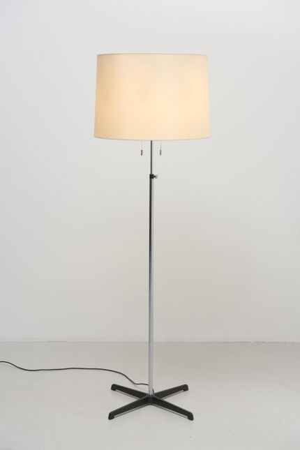 modestfurniture-vintage-1977-staff-floor-lamp01