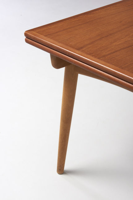 modestfurniture-vintage-2079-hans-wegner-dining-table-at-312-xl05