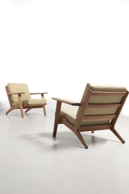 modestfurniture-vintage-2261-hans-wegner-pair-ge-290-easy-chairs10