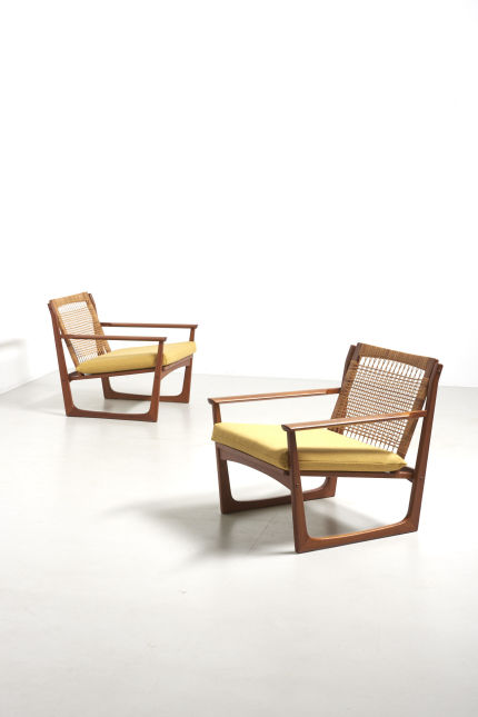 modestfurniture-vintage-2370-hans-olsen-easy-chairs-rattan-backrest-juul-kristensen12