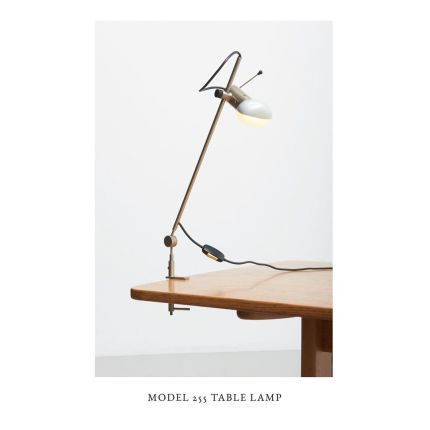 New in, online soon! Model 255 desk lamp design by Tito Agnoli for Oluce. Made in Italy, 1950s. ✨ Have a nice day