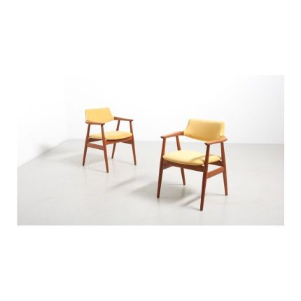 New Online! ✨ A danish armchair in teak with yellow upholstery. 6 available, price per piece. Design by Svend Aage Eriksen and made by Glostrup Møbel