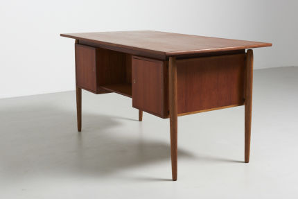 modest furniture vintage 1502 danish desk in teak with oak legs 06