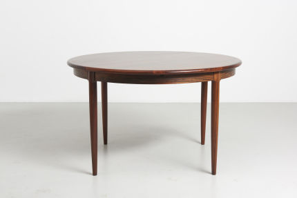 modest furniture vintage 1735 round rosewood dining table moller 02