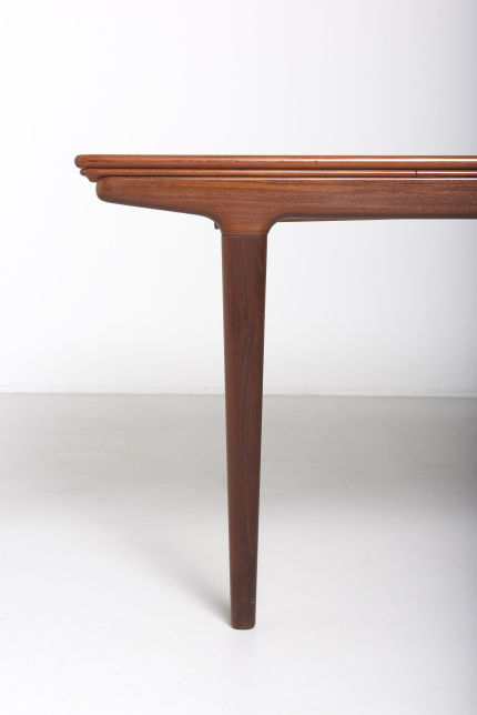 modestfurniture-vintage-1903-dining-table-johannes-andersen03