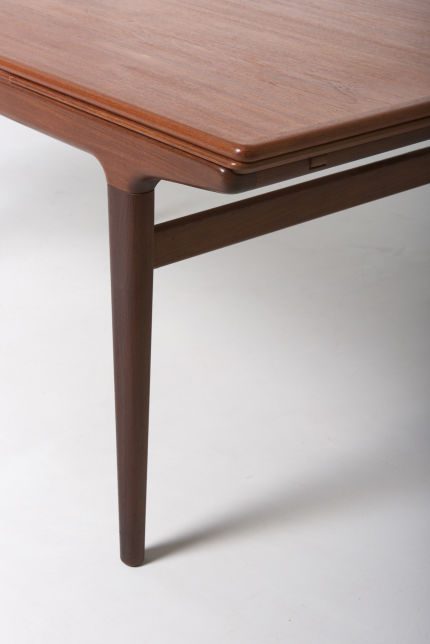 modestfurniture-vintage-1903-dining-table-johannes-andersen04