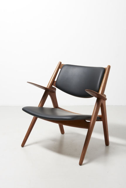 modestfurniture-vintage-1970-sawbuck-easy-chair-hans-wegner-ch-2809