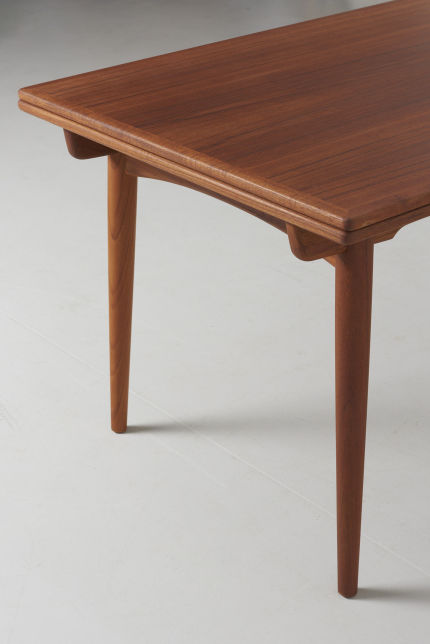 modestfurniture-vintage-1985-hans-wegner-teak-dining-table-andreas-tuck-at-31211