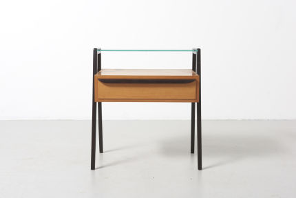 modestfurniture-vintage-2033-side-table01
