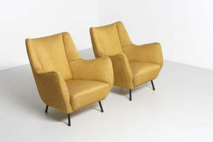 modestfurniture-vintage-2060-pair-easy-chairs-italy-195001