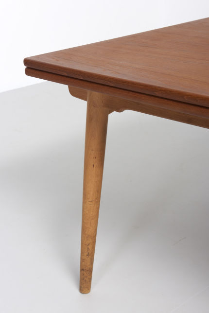 modestfurniture-vintage-2079-hans-wegner-dining-table-at-312-xl03