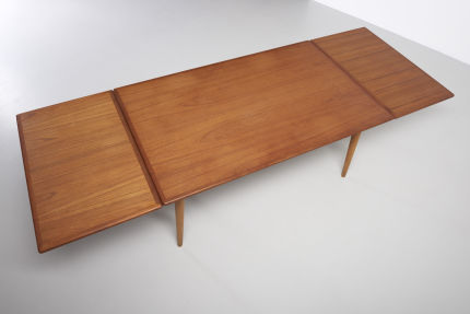 modestfurniture-vintage-2079-hans-wegner-dining-table-at-312-xl07