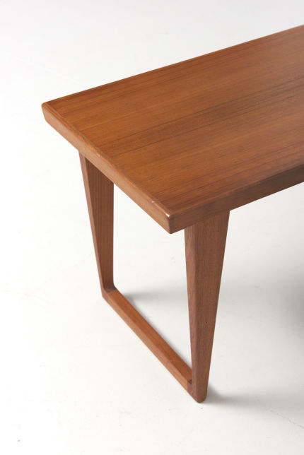 modestfurniture-vintage-2093-side-table-teak-kjersgaard04