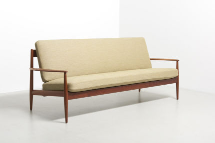 modestfurniture-vintage-2122-grete-jalk-sofa-france-son02