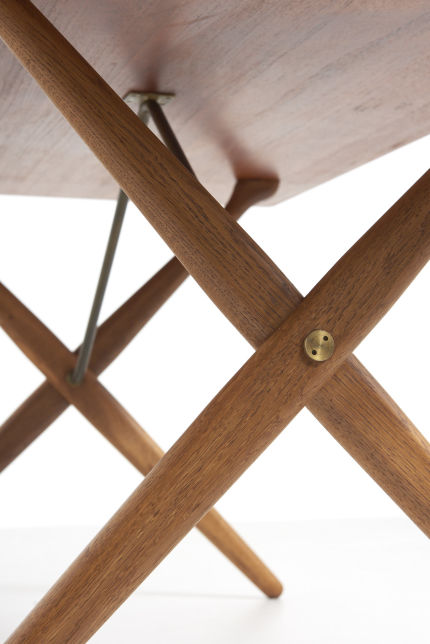 modestfurniture-vintage-2130-hans-wegner-crossleg-table-andreas-tuck-at-30304