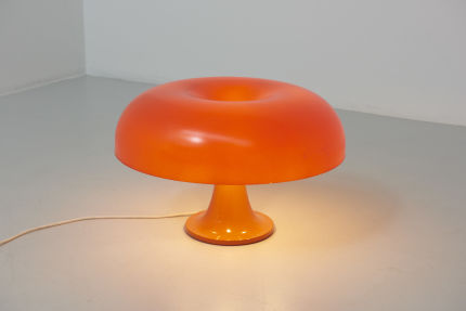 modestfurniture-vintage-2143-artemide-table-lamp-nesso-orange-fibreglass01