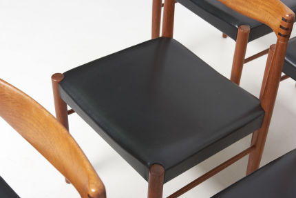 modestfurniture-vintage-2159-bramin-dining-chairs-hw-klein06