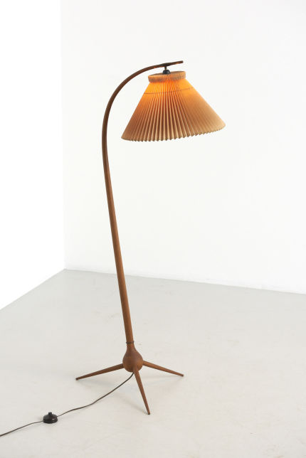 modestfurniture-vintage-2271-bridge-floorlamp-severin-hansen-haslev01
