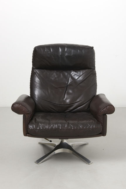 modestfurniture-vintage-2340-desede-ds31-high-back-swivel-lounge-chair02