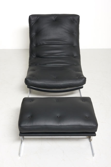 modestfurniture-vintage-2383-lounge-chair-with-ottoman-black-leather-chrome-frame03