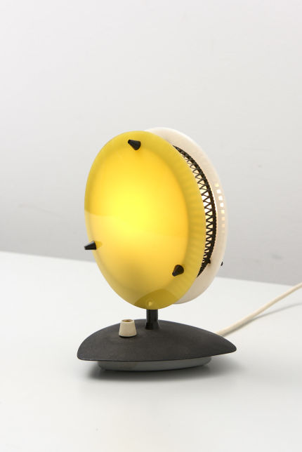 modestfurniture-vintage-2481-table-lamp-yellow-white-dimmable06