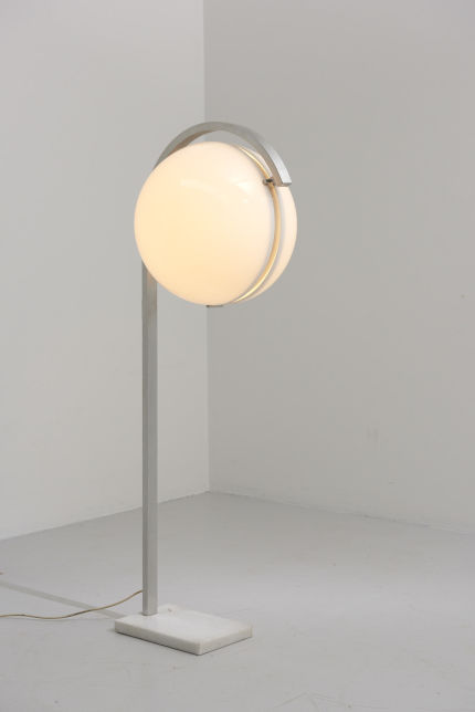 modestfurniture-vintage-2661-floor-lamp-acrylic-sphere02