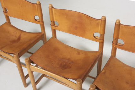 modestfurniture-vintage-2669-borge-mogensen-spanish-dining-chairs-fredericia-model-3237-323805