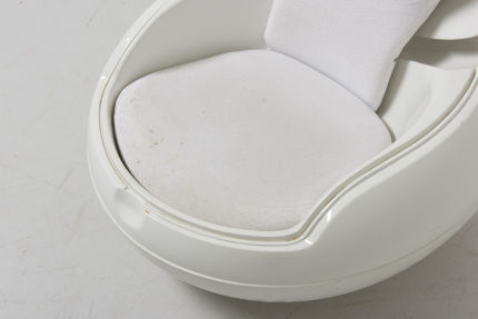 modestfurniture-vintage-2722-peter-ghyczy-garden-egg-chair-white09