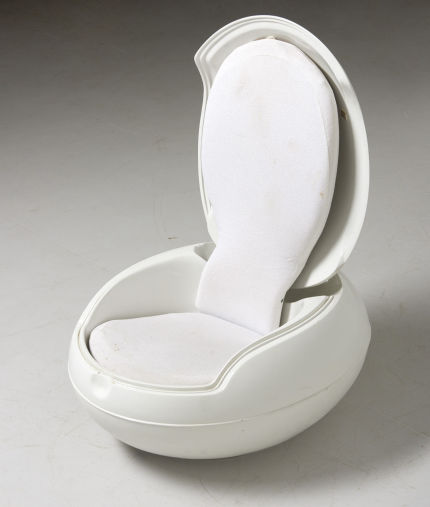 modestfurniture-vintage-2722-peter-ghyczy-garden-egg-chair-white17