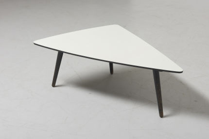 modestfurniture-vintage-2755-bovenkamp-triangular-low-table01