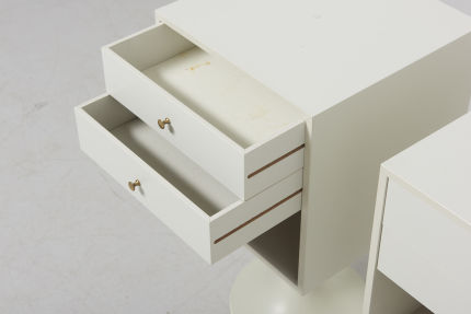 modestfurniture-vintage-2766-pair-bedside-tables-tulip-foot04