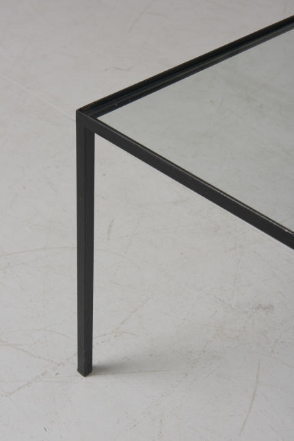 modestfurniture-vintage-2820-low-table-black-steel-glass03
