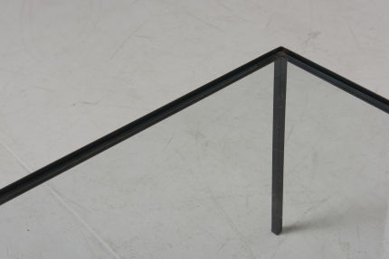 modestfurniture-vintage-2820-low-table-black-steel-glass04