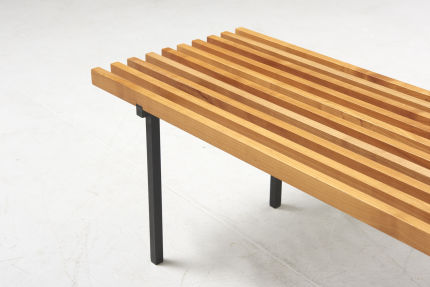 modestfurniture-vintage-2822-slatted-bench-beech-black-metal-legs03