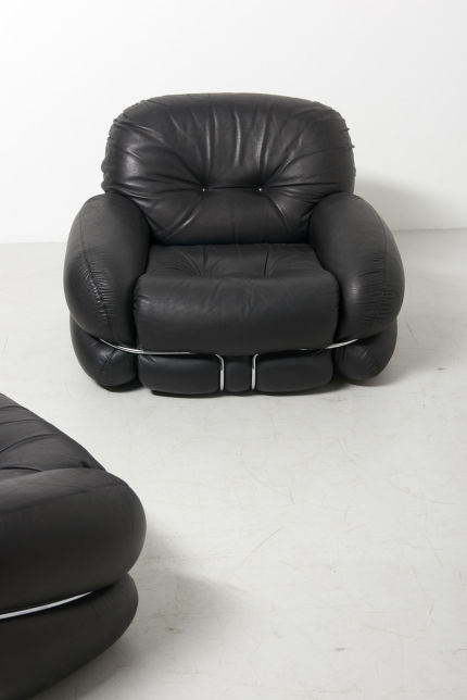 modestfurniture-vintage-2828-easy-chairs-black-leather-scarpa-style04
