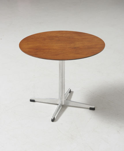 modestfurniture-vintage-2842-side-table-arne-jacobsen-fritz-hansen03