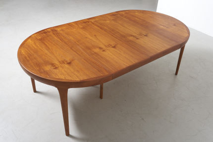 modestfurniture-vintage-2864-ib-kofod-larsen-round-dining-table-teak07