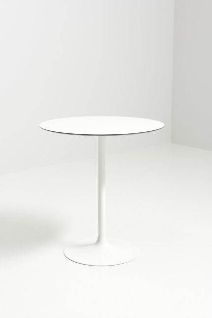 modestfurniture-vintage-3002-small-dining-table-tulip-foot05