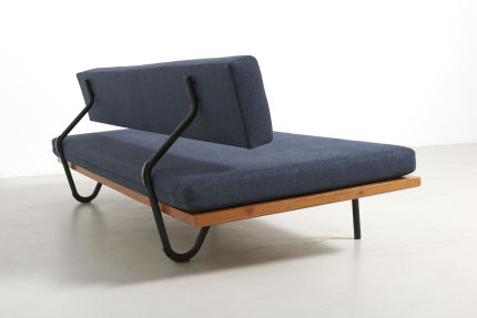 modestfurniture-vintage-1956-daybed-black-metal-frame05