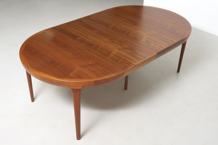 modestfurniture-vintage-2533-dining-table-ib-kofod-larsen02
